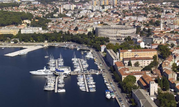 Fly-Out Pula